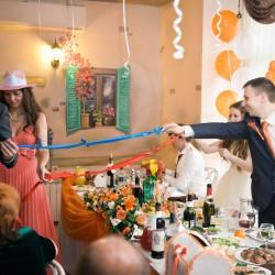 конкурс с лентами на свадьбе