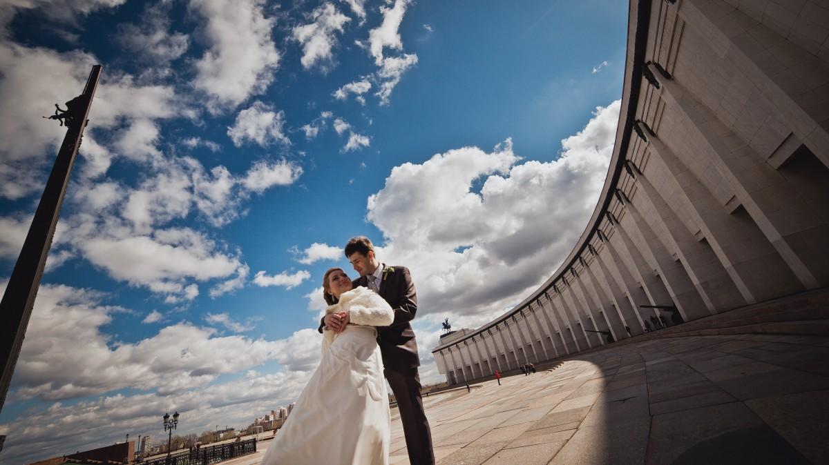 молодожены, свадьба, ведущий на свадьбу