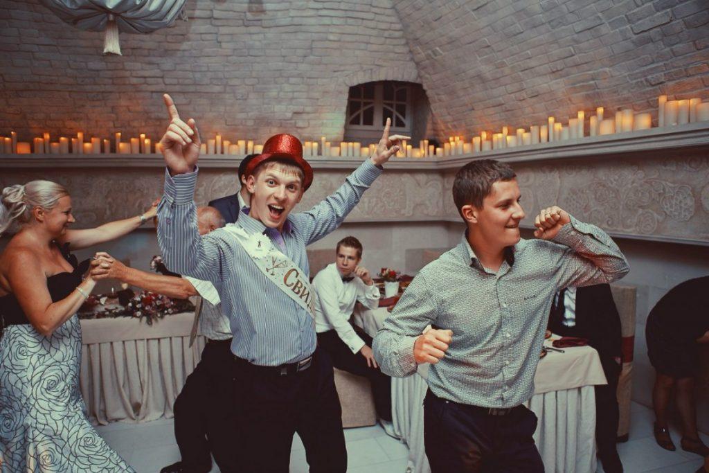 зал для свадьбы, зал со свечами