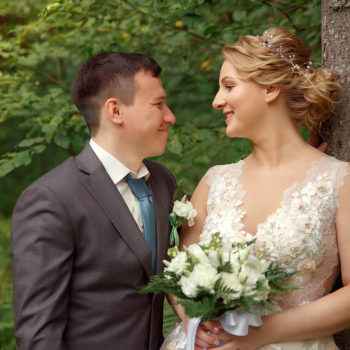 Гвоздики в букете невесты